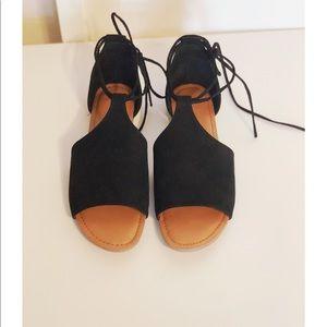 Shoes - ⭐️Lace up sandal